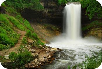 Minnehaha falls spring