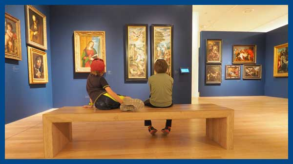 boys-in-museum